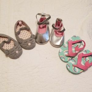 Infant Girl Sz 1 lot of shoes Brand new